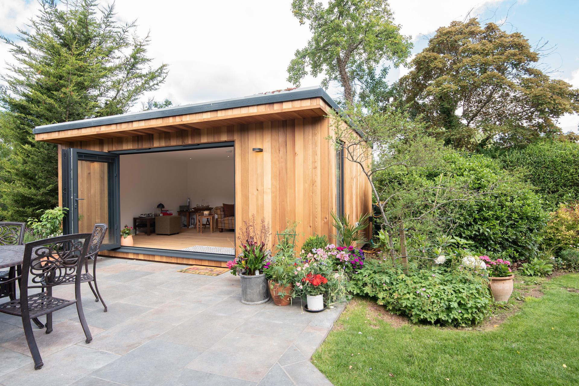 Beautiful garden room in Upminster, Essex