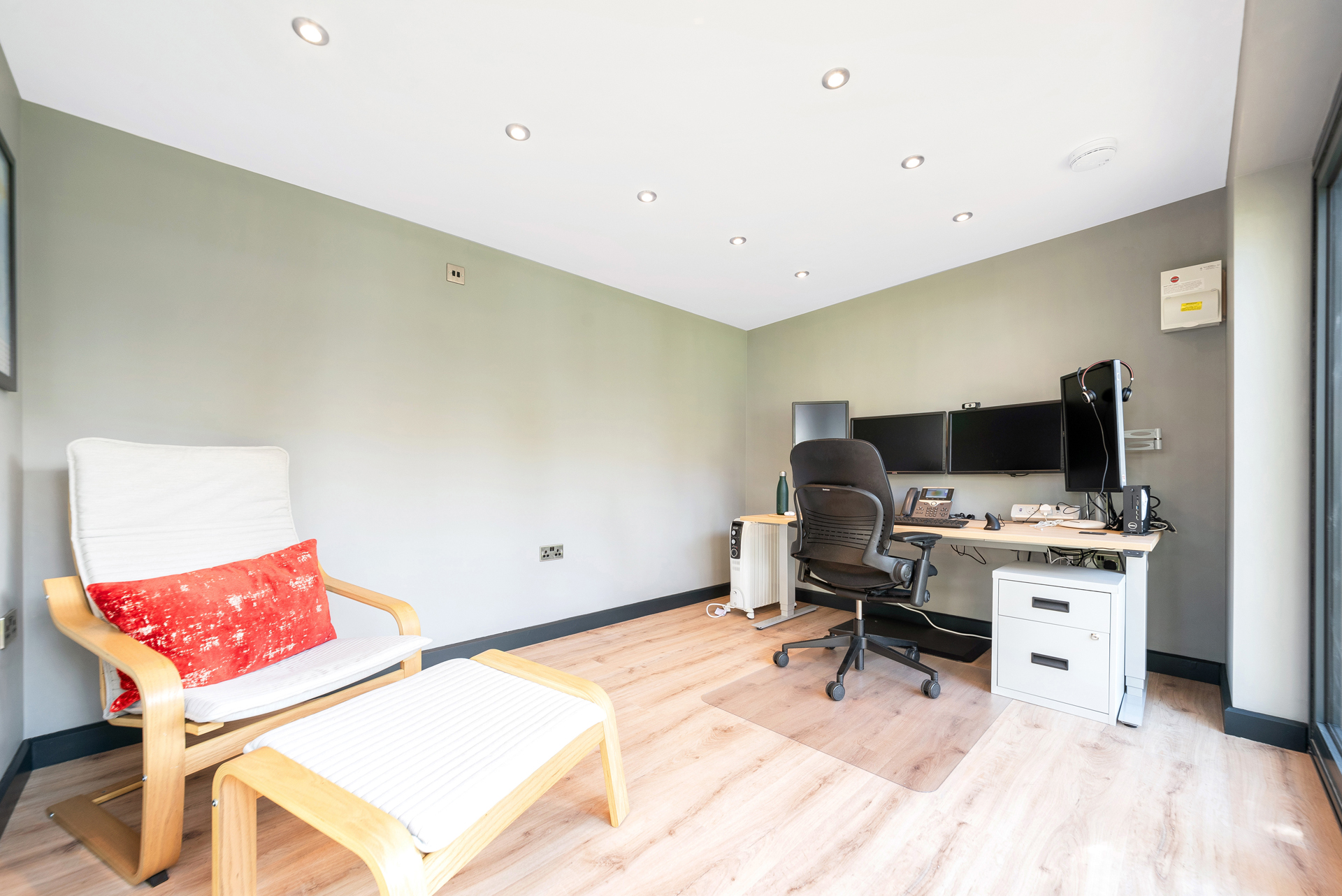 Contemporary designed garden rooms in Essex