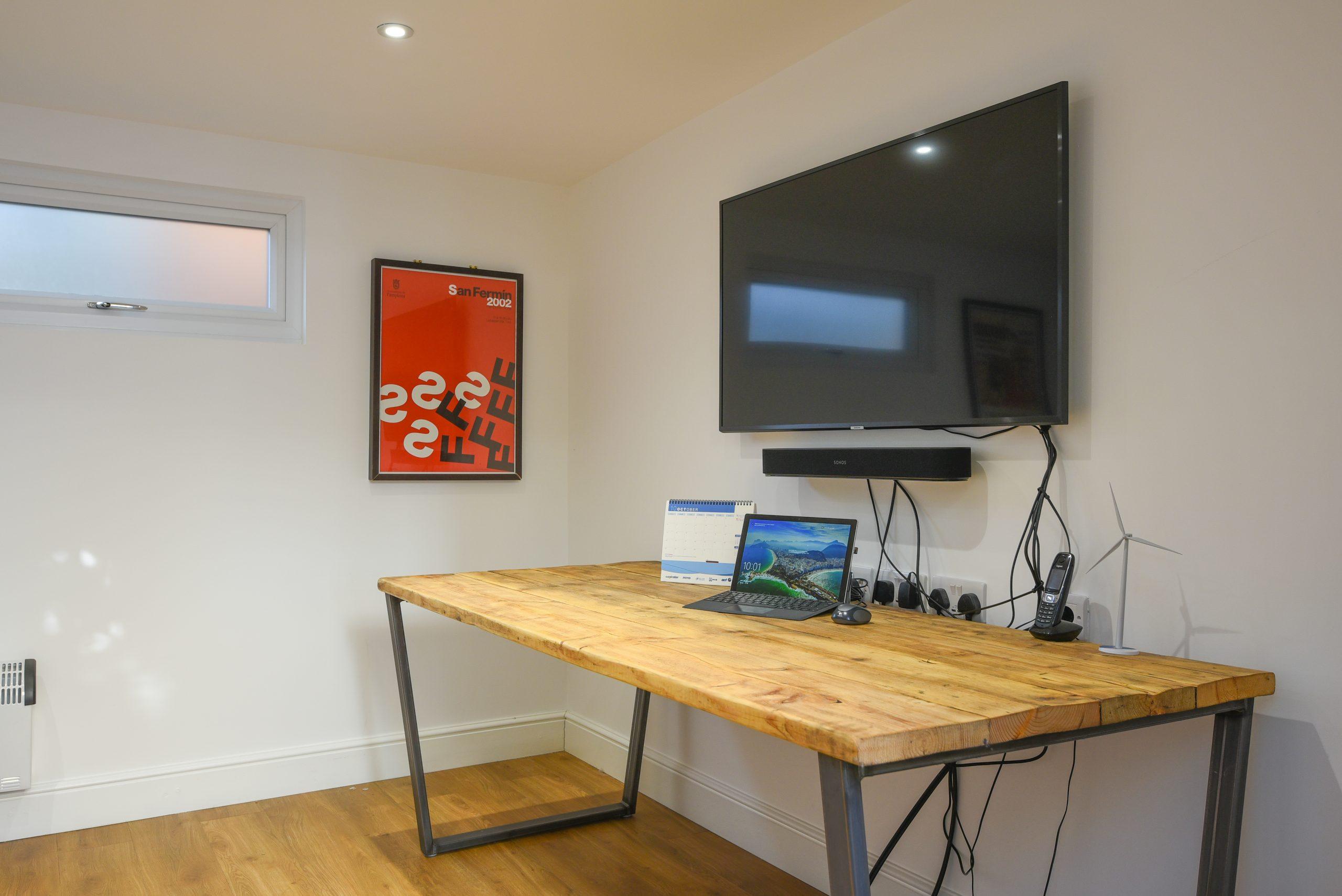 Contemporary garden office design
