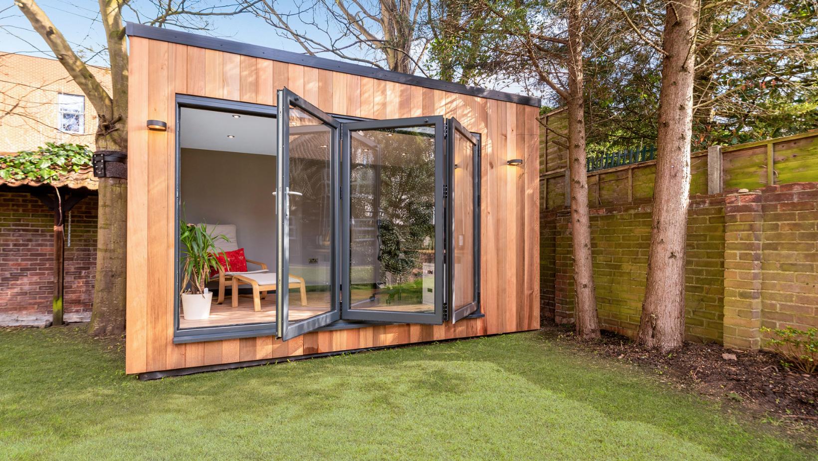 Small garden room in Essex