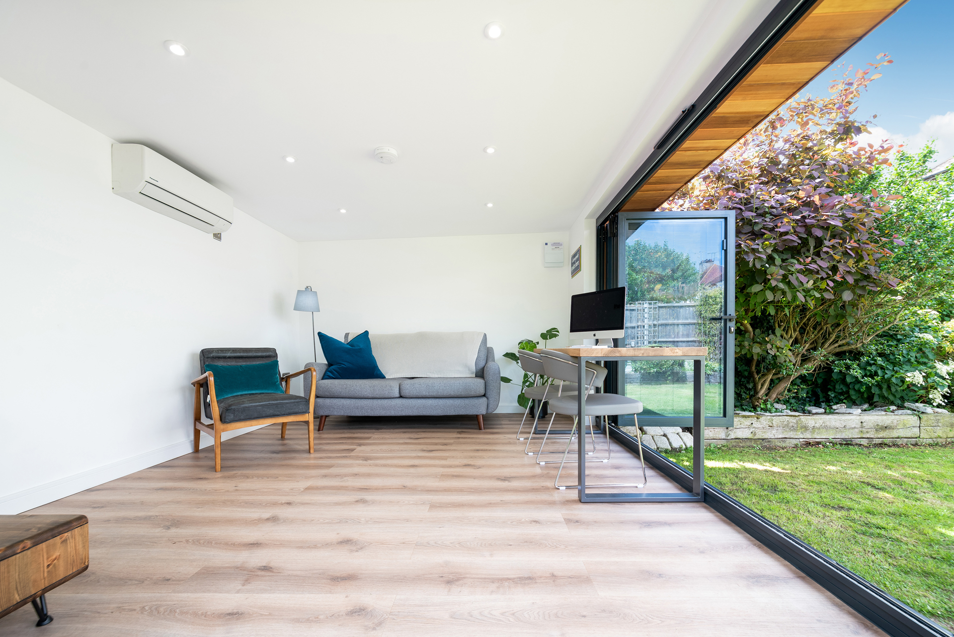 prestige garden office space in Essex