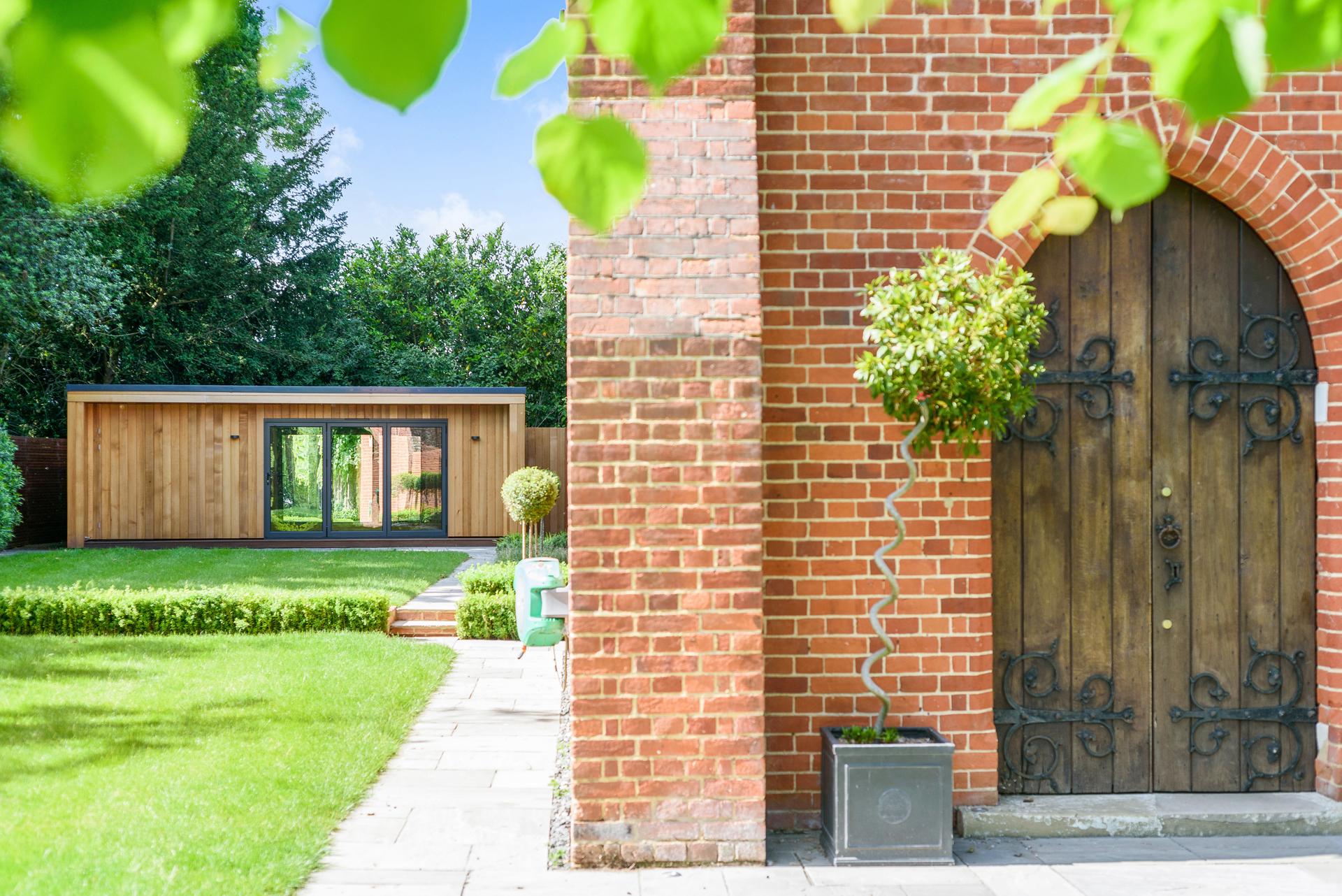 Beautiful large garden room in Essex