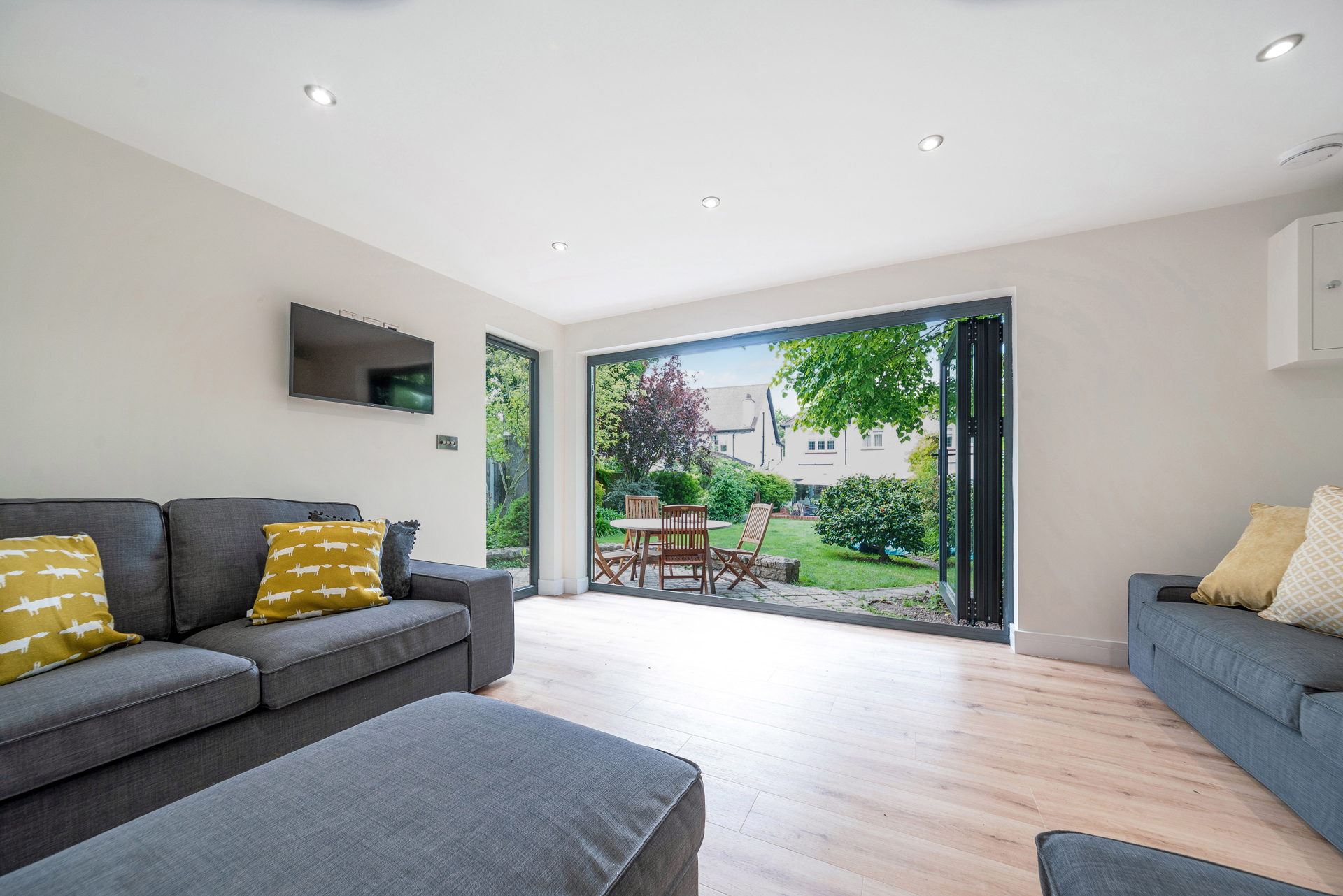 luxury garden room for games and relaxation